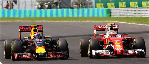 Kimi Raikkonen e Max Verstappen