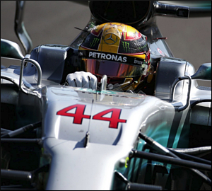Hamilton e Mercedes dominam em Monza!