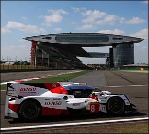 Porsche conquista títulos mundiais em Xangai