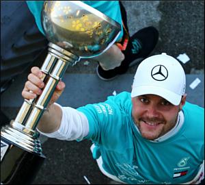 "Mercedes conquista ""Hexa"" em Suzuka!"