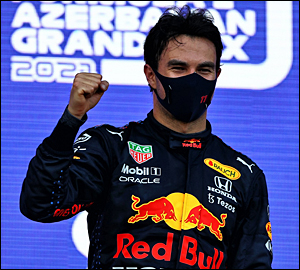 Sérgio Pérez vence GP caótico em Baku!