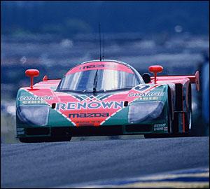 Mazda celebra triunfo em Le Mans